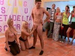 Так что студенческая вечеринка ххх видео большие голые девушки